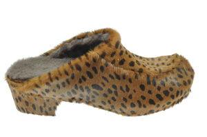 Sabot en peau de vache façon léopard